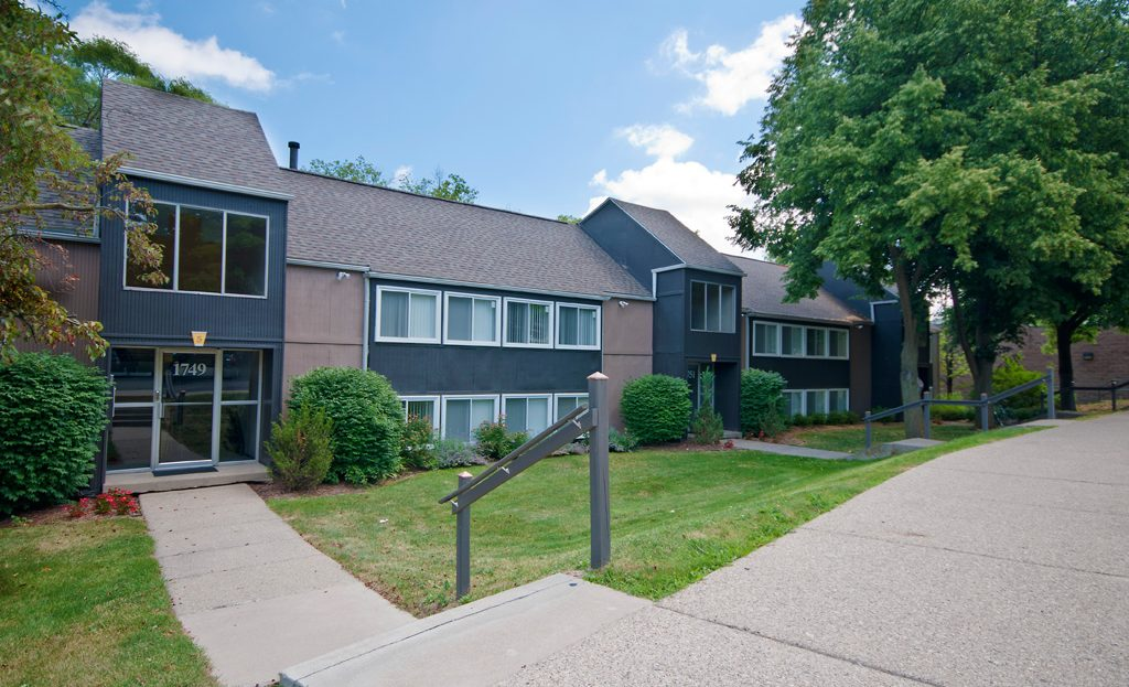 Apartment In Broadview 1701 1753 1 Bedroom 2 Bedrooms 39 Aapartments For Rent Ann Arbor