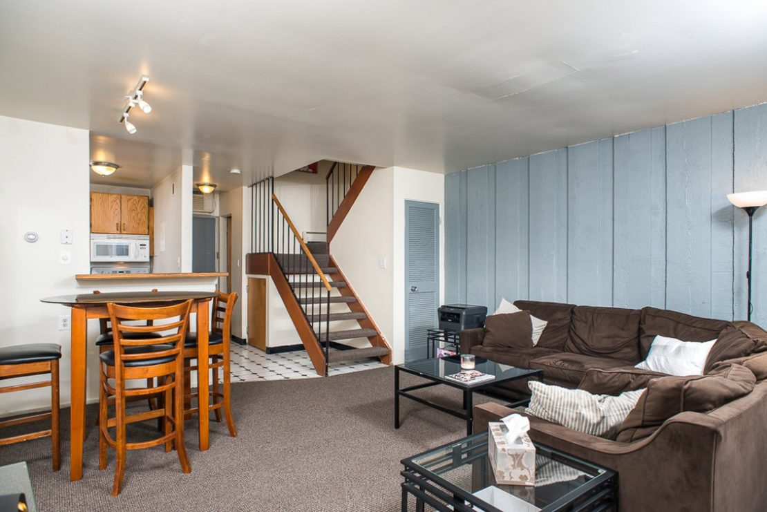 Carriage House 1224 Washtenaw Court 1 Bedroom 2